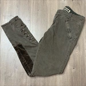 Olive riding patch pants with zipper pockets NWOT